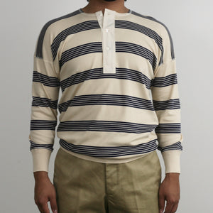 US001 Henley Neck Long Sleeve in Écru x Navy