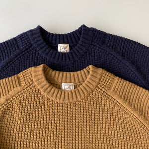 Merino Super Lamb Big Waffle Command Sweater in Golden Brown