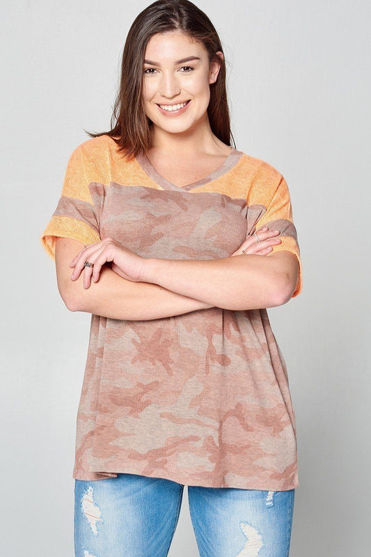 Plus Size Camouflage Loose-fit Knit Top - Mauve