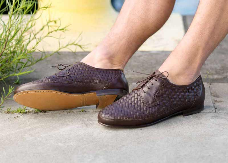 Soft woven leather shoe with flexible sole