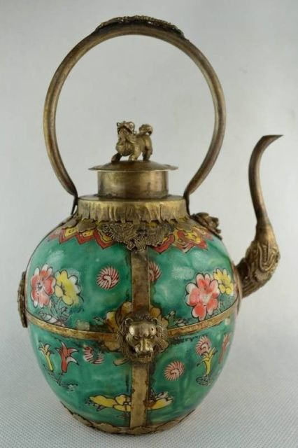 Elaborate Chinese Handwork Flower Porcelain Inlaid with Copper Animals Tea Pot