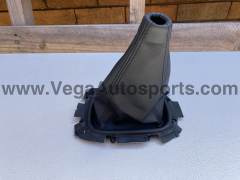 Shift Boot Black to suit Subaru 98-02 Forester / 99-01 Impreza WRX - Vega Autosports