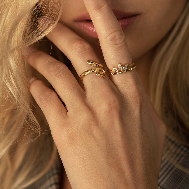 BOA GOLD RING | ALEYOLÉ Jewelry