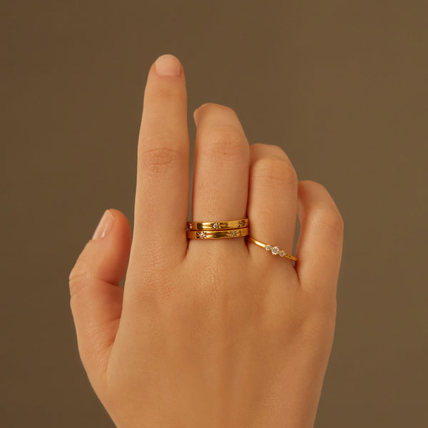 UNIVERSE GOLD RING