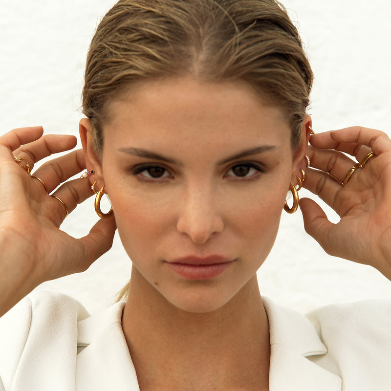 AMALFI HOOPS GOLD (M) | ALEYOLÉ Jewelry