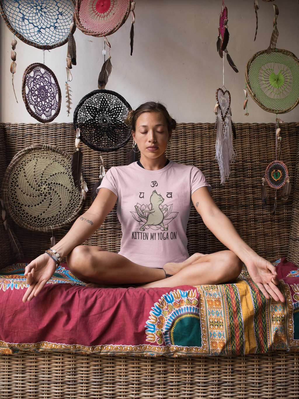 T-shirt for women Yoga Kitten