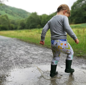 Adventure Awaits Leggings. For babies, children and toddlers. Featuring Foxes, rabbits, tents, camping, campfire, arrows, stars and more. They have a striped cuff and are made from cotton jersey.