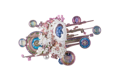 """The """"Mind Puzzle"""" brooch by Wallace Chan."""