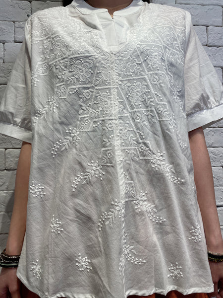 2004090 DD embroidered V neck blouse - WHITE