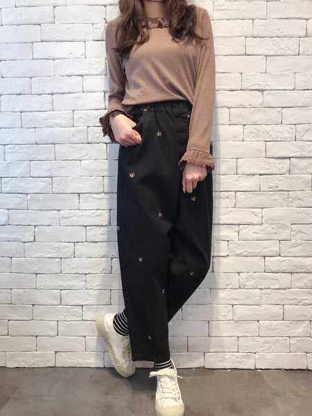 2009102 JP Floral Embroidery Pants - BLACK