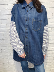 2007143 JF back words denim shirt
