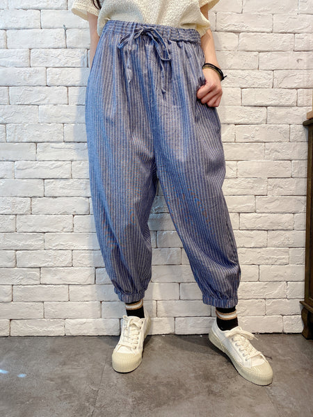 2007004 JP striped cropped pants