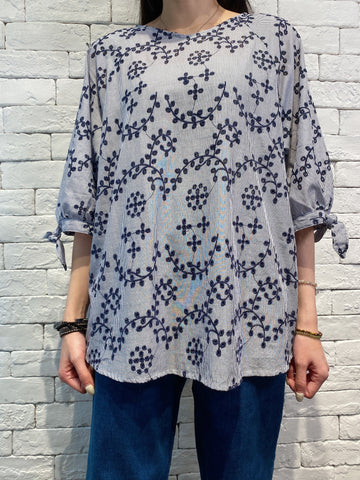 2004037 SP floral embroidered bow sleeves top - NAVY