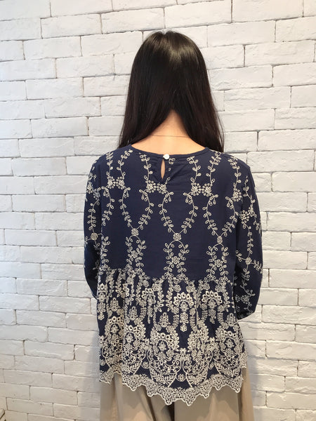 2008020 JF embroidery top - NAVY