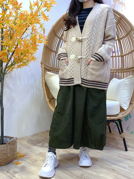 2011105 JF Cable knit Mixed Colour Hem Button Outer - BEIGE