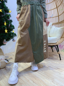 2012083 JP  Words Patchwork Skirt - Green