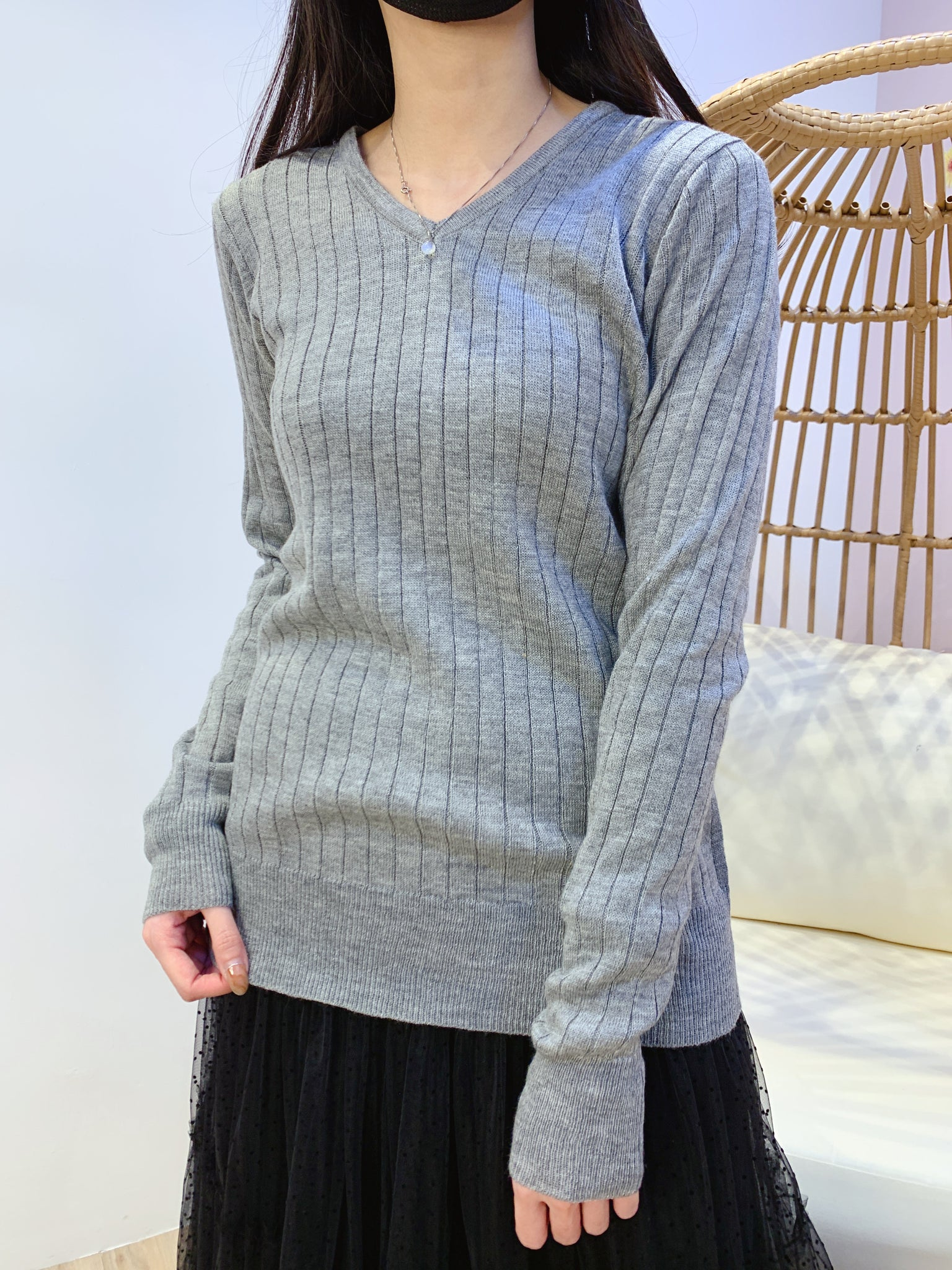 2101037 MMO Cable V-Neck Top - Grey
