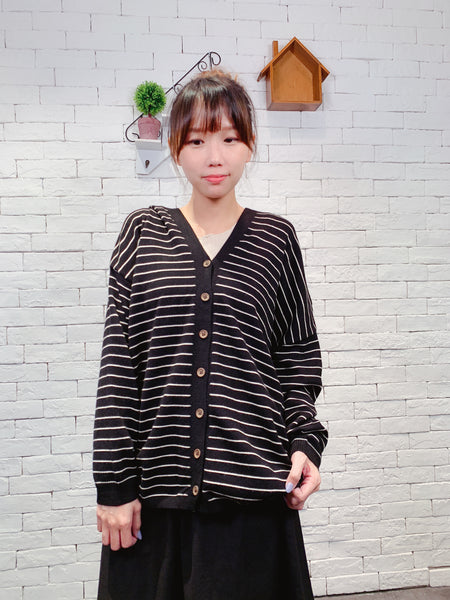 1909092 JF border knit cardigan