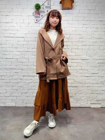 1910067 RO folded colour jacket