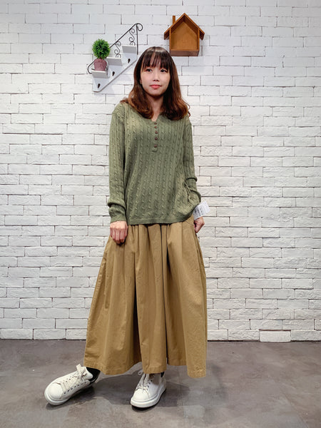 1911007 JF buttons cable knit top