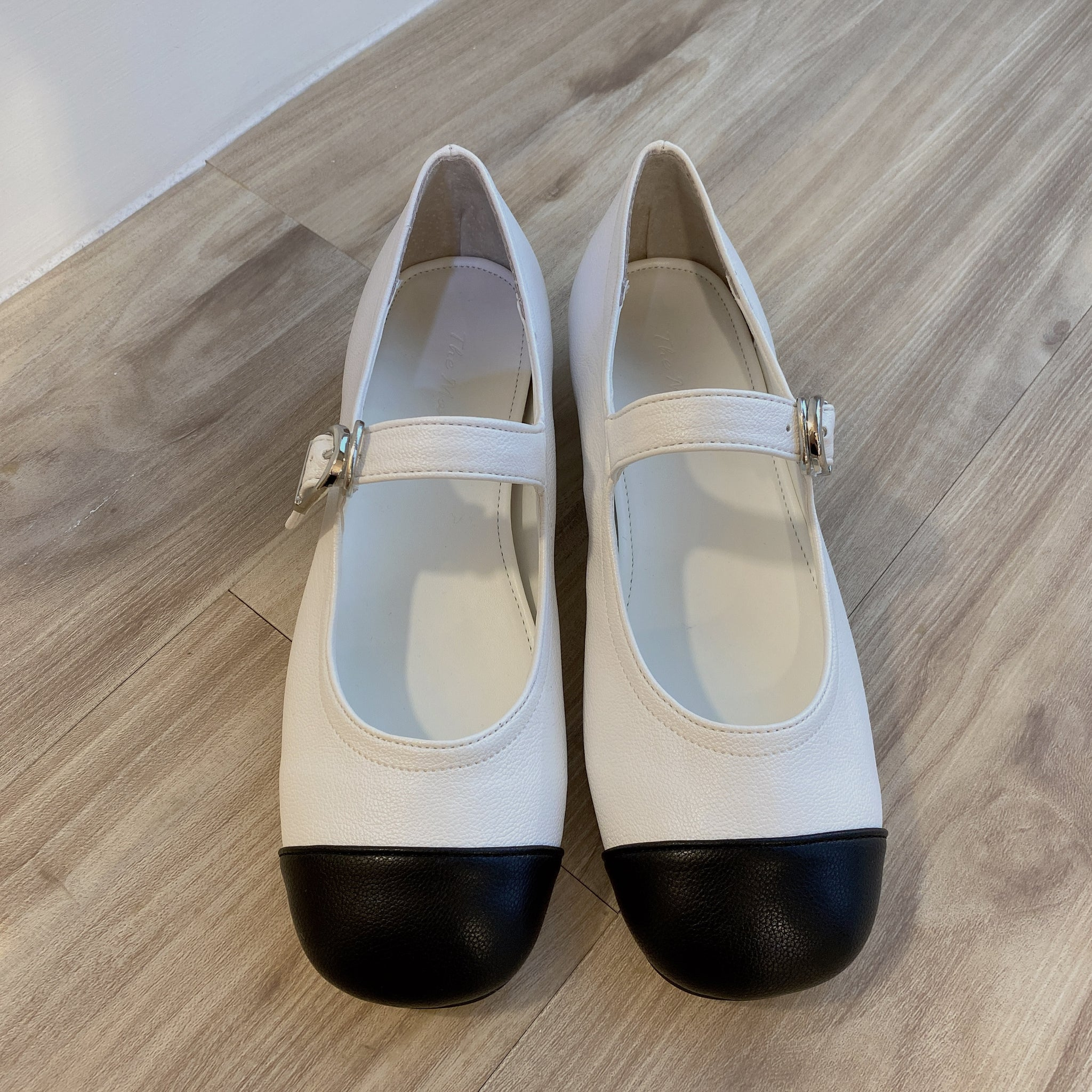 2105001 KR Mary Jane Shoes