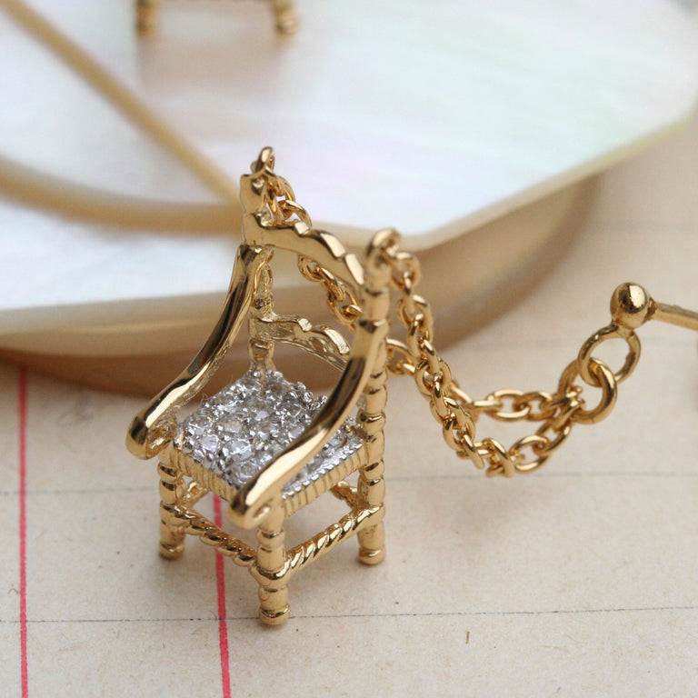 Precious mini chairs earrings