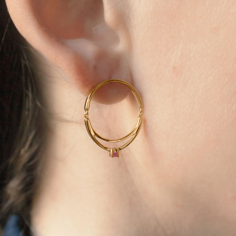 Earrings articulated ring