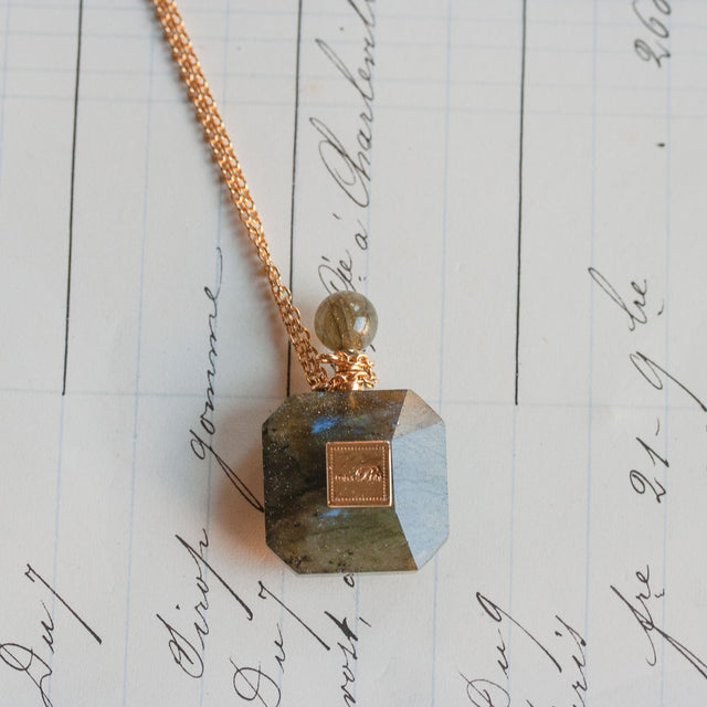 Labradorite perfum necklace