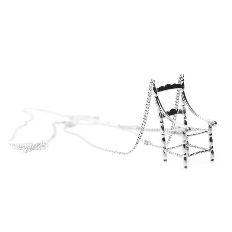 Collier grand chaise