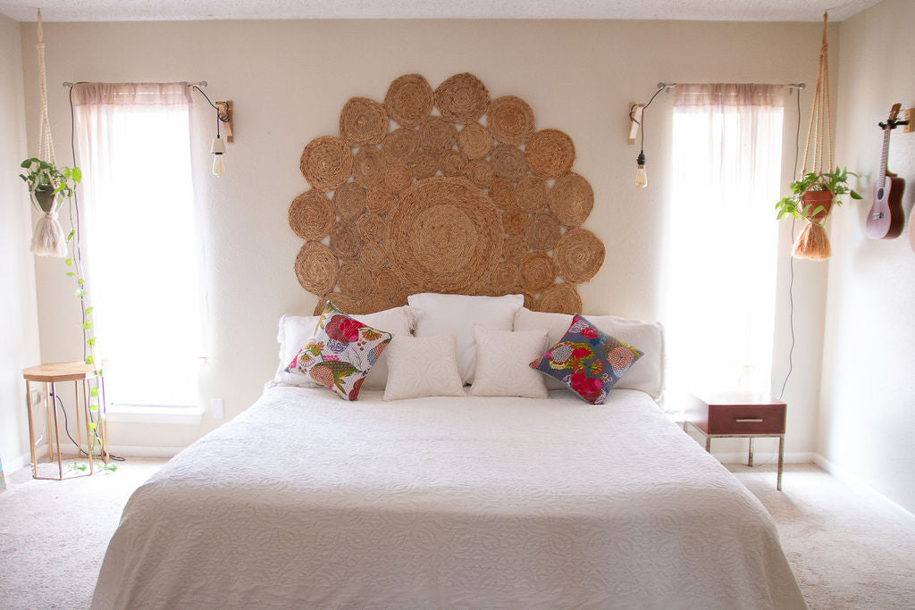 Handmade White Applique Coverlet - GadaboutGoods