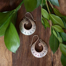 Load image into Gallery viewer, Curved Fishtail Hoop Hill Tribe Earrings