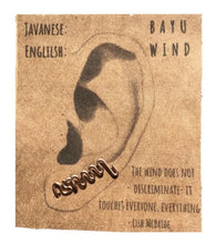 "Load image into Gallery viewer, Javanese ""Wind"" Ear Climber"