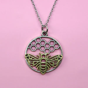 Bee Circle Necklace - Sour Cherry