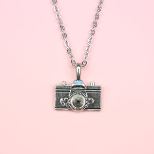 Load image into Gallery viewer, Vintage Camera Necklace