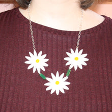 Load image into Gallery viewer, Daisy Chain Necklace