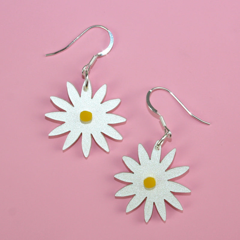 Small Daisy Earrings - Sour Cherry