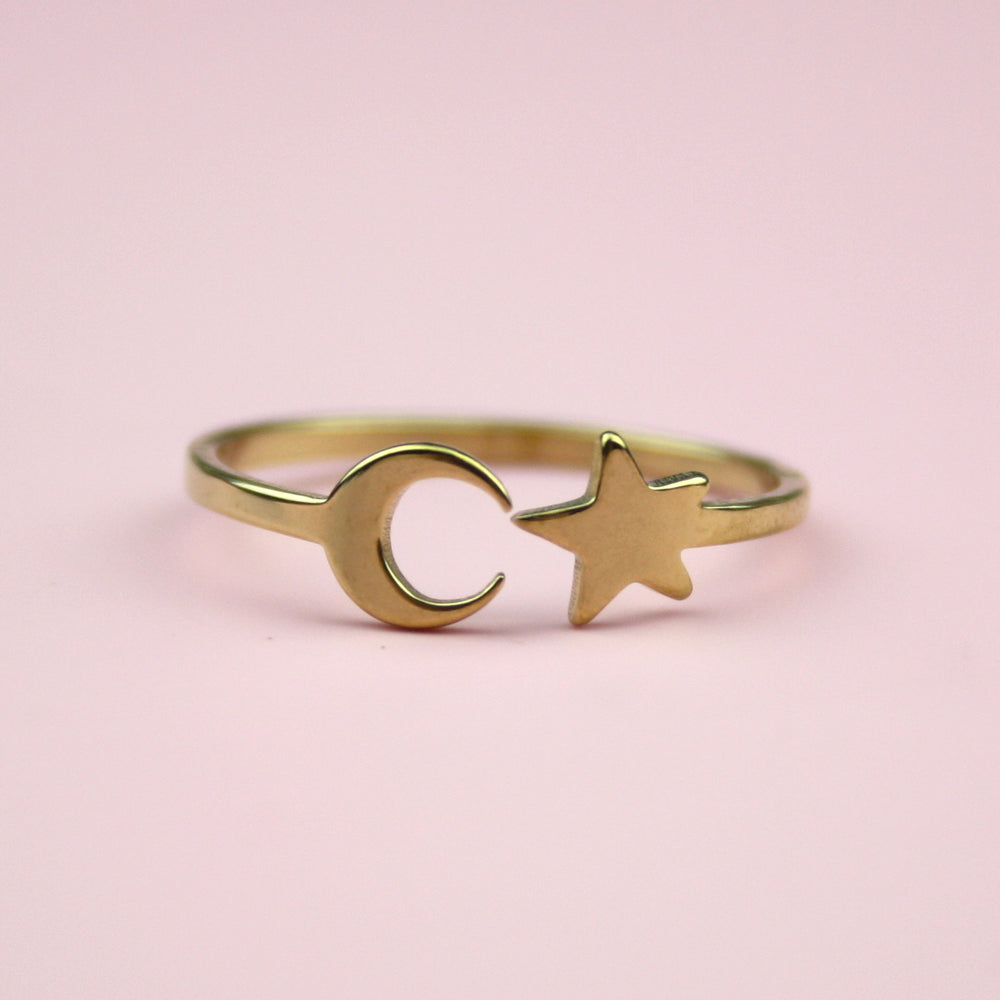 Moon & Star Ring (Gold Plated)