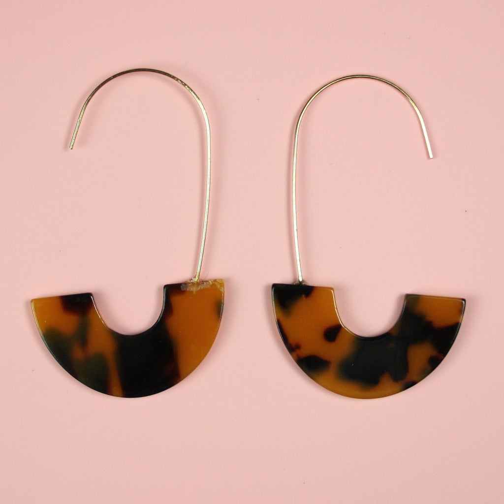 Dark Tortie C Drop Earrings - Sour Cherry