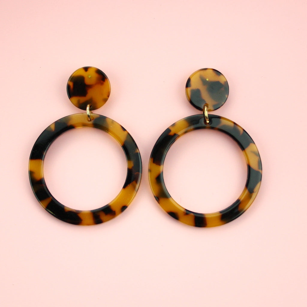 Circle Cut Out Resin Stud Earrings (Tortie) - Sour Cherry