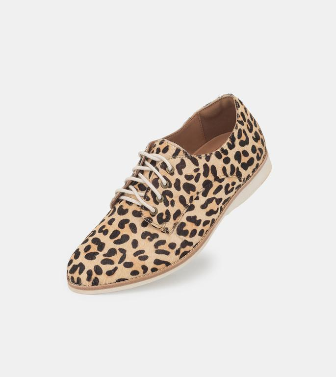 Derby camel leopard - Milu James St