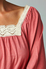 Load image into Gallery viewer, Women's Square Neck Lace Top