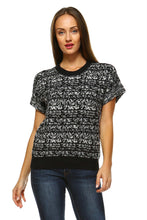 Load image into Gallery viewer, Women's Loose Knit Short Sleeve Top