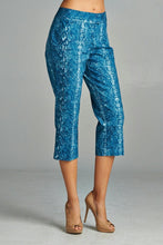 Load image into Gallery viewer, Women's Printed Capris