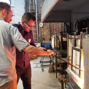 Gathering glass in the furnace