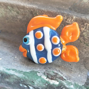 Flameworking fish bead: Gina Edwards