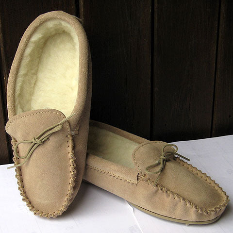 Lambswool lined moccasin slipper with sole