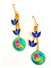 Load image into Gallery viewer, Birds and flowers earrings