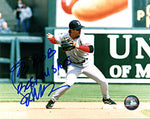 Bill Mueller Autographed / Signed Fielding the Ball 8x10 Photo