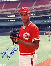 Mo Sanford Autographed / Signed Cincinnati Reds Baseball 8x10 Photo