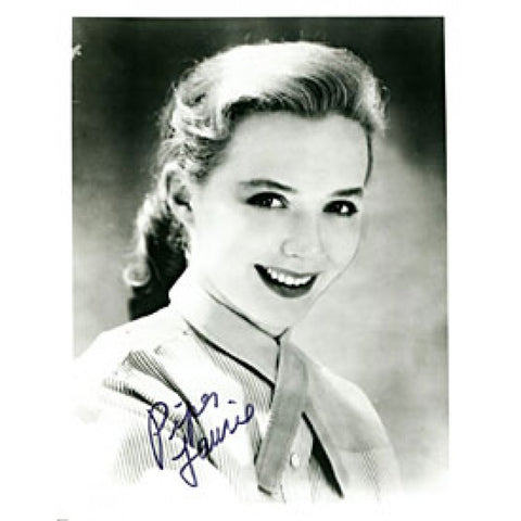 Piper Laurie Autographed / Signed 8x10 Photo
